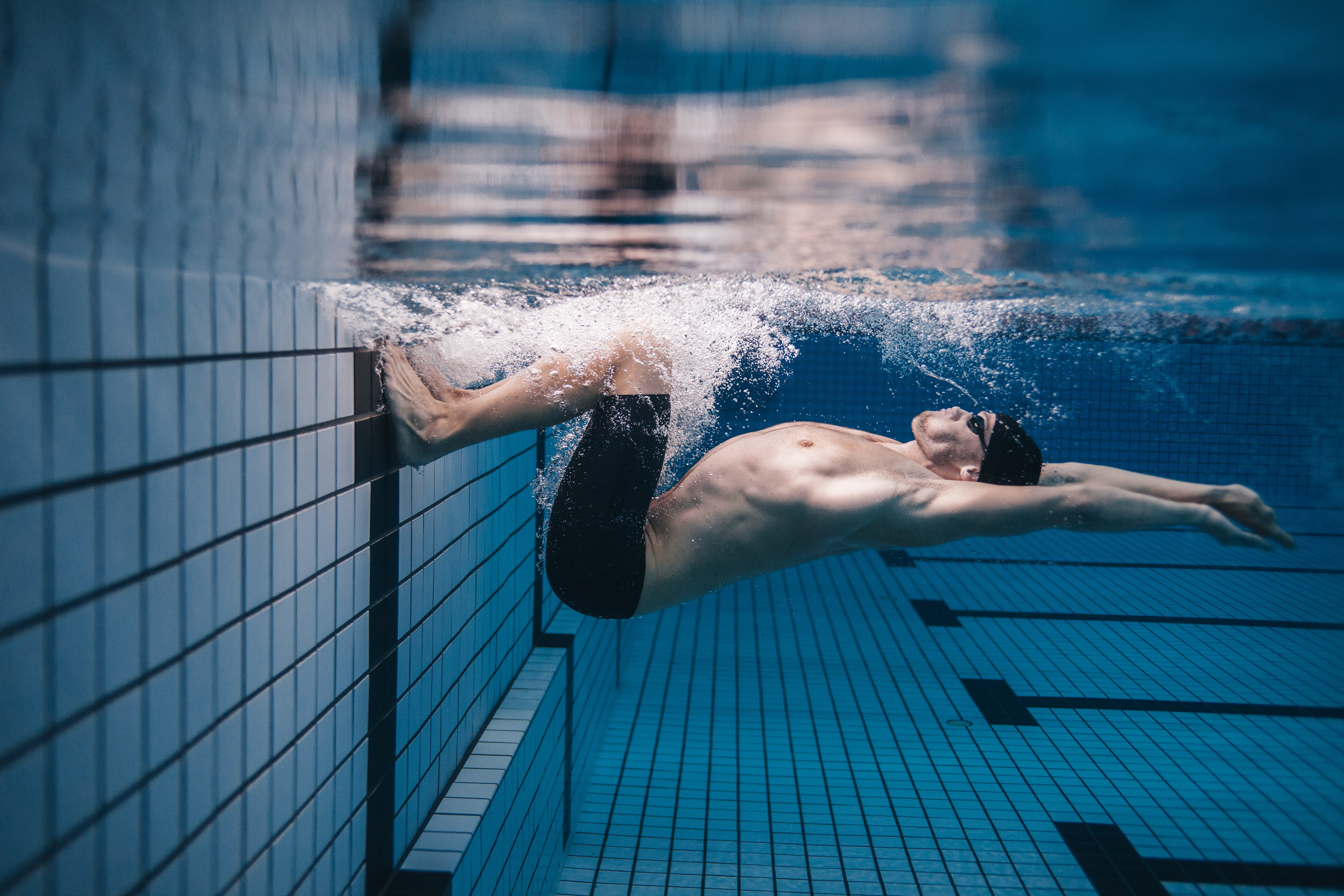 Importance of Dryland Training for a Better Underwater Dolphin Kick