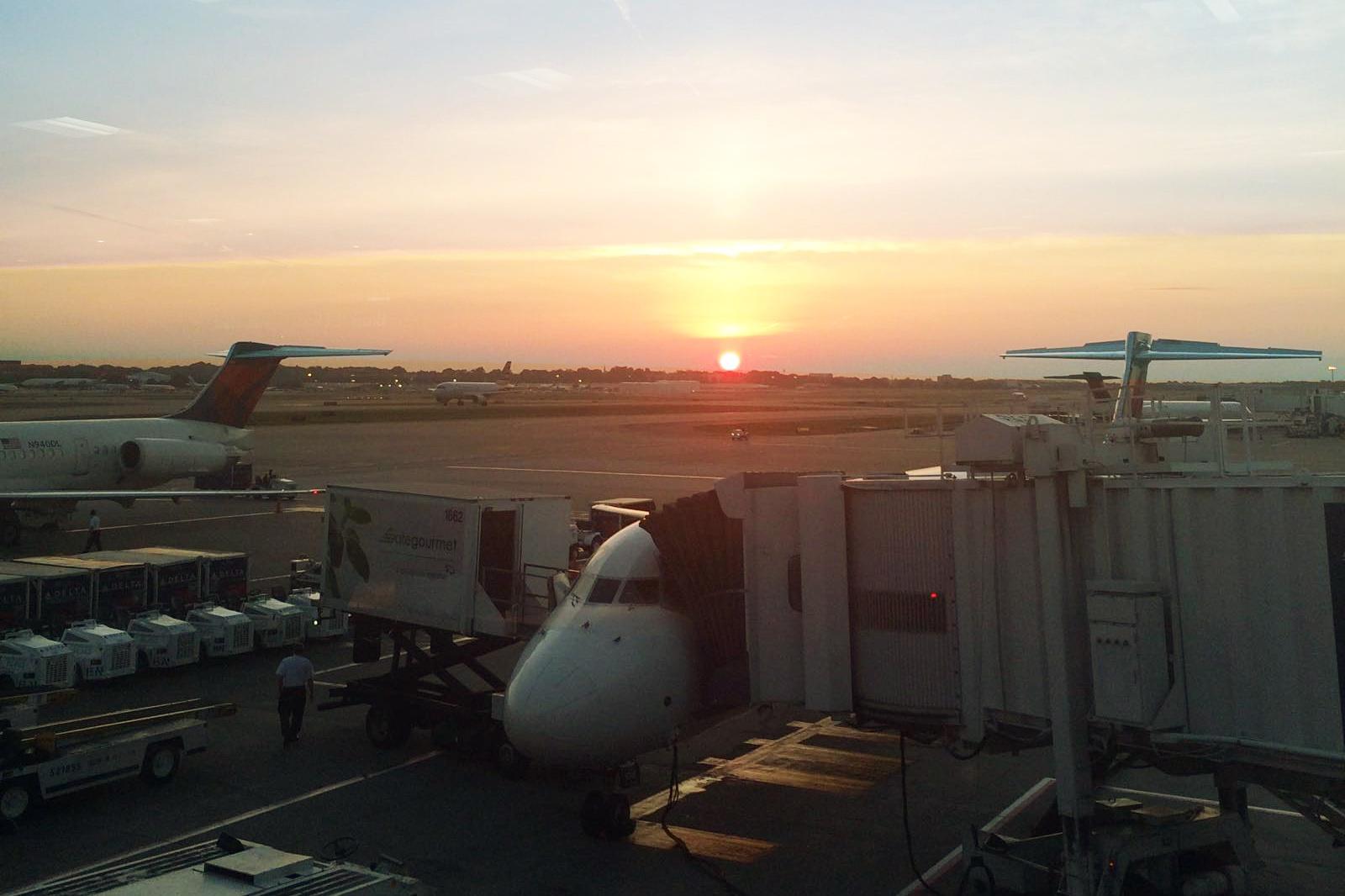 Travel_airport.jpg
